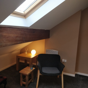 Therapy room to rent 27