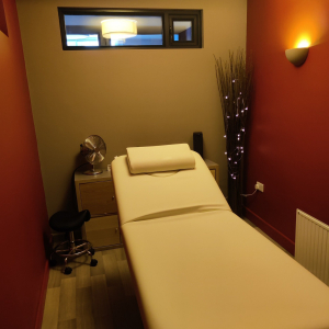 Therapy room to rent 24