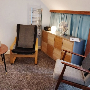 Therapy room to rent 23